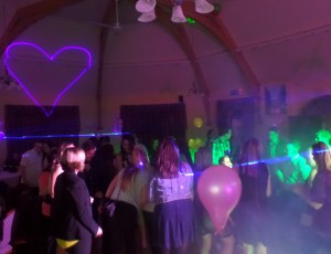 Birthday party – Croud on the floor